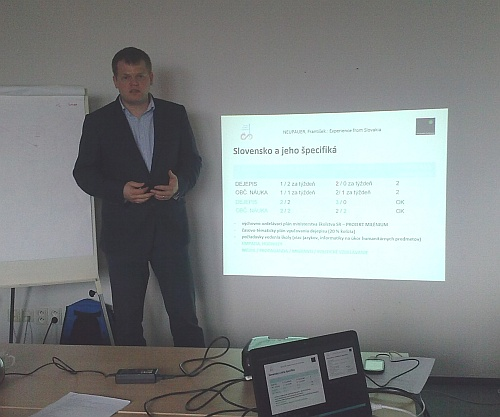 František Neupauer prezentuje slovenské výsledky pilotáže projektu.