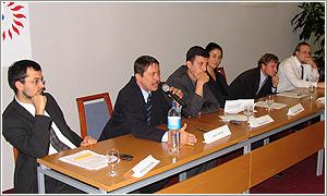 Foto: Zľava: P. Matijek, J. Langoš, J. Kalina (moderátor), H. Karasová,  S. Michálek a M. Medvecký.