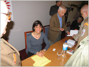 Foto: Barbara Masin a Josef Mašín počas prezentácie knihy ODKAZ