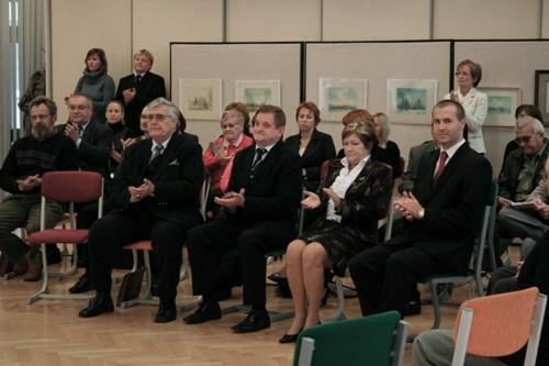 Foto : pohľad na predstaviteľov