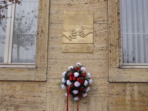 Foto: Novoodhalená pamätná tabuľa