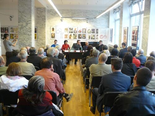 Foto: Publikum - pohľad zozadu